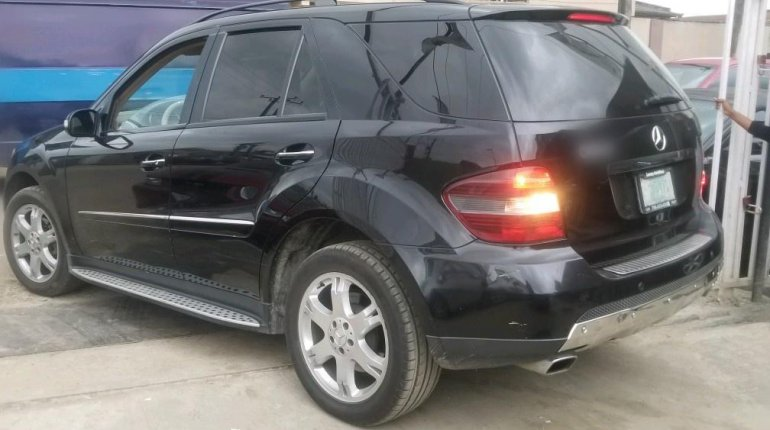 Nigerian Used Mercedes-Benz ML350 2007 Model Black-2