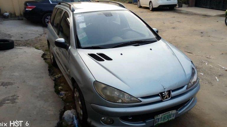 Nigerian Used Peugeot 206 2004 -0