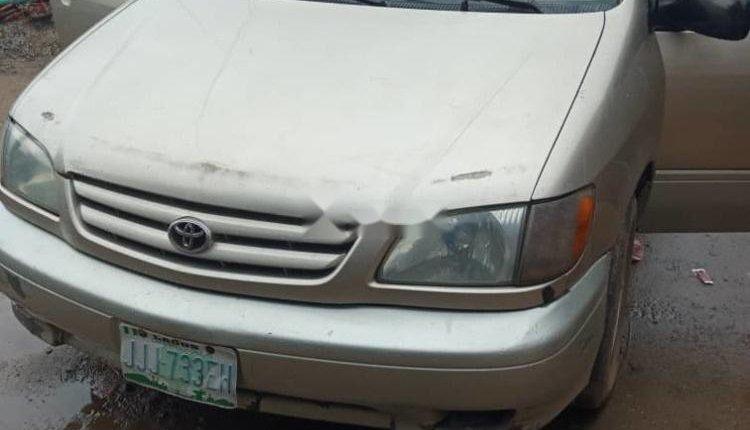 Nigerian Used Toyota Sienna 2004 Model-0