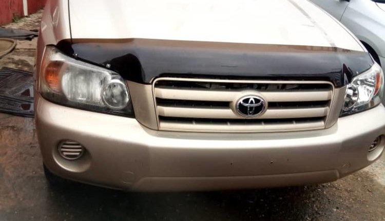 2005 Gold Automatic Toyota Highlander-0