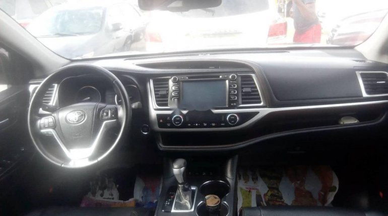 Tokunbo Toyota Highlander 2015 Automatic Full option-4
