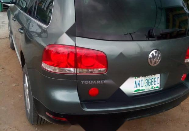 Very Clean Nigerian used Volkswagen Touareg 2003 Green-5