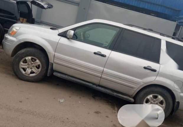 Very Clean Nigerian used Honda Pilot 2003-4
