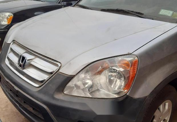 Very Clean Foreign used Honda CR-V 2005 2.0i ES -0