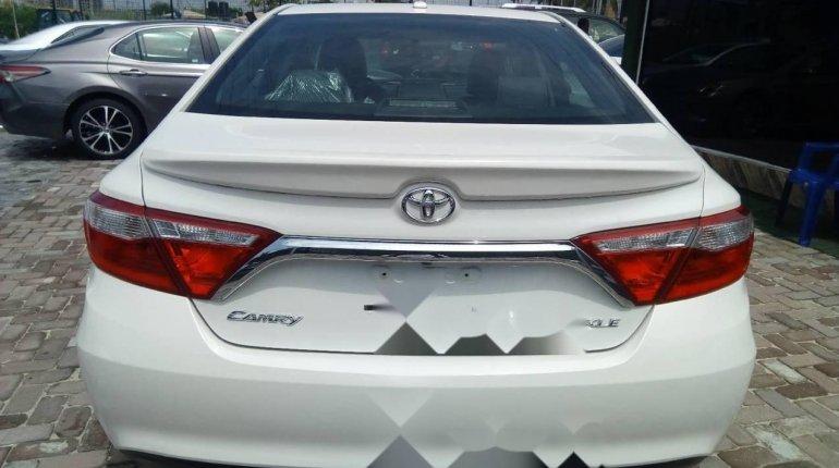 Tokunbo Toyota Camry 2016 Model White-1