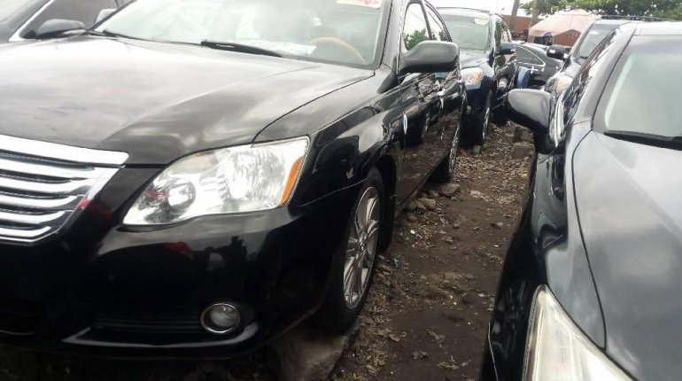 Tokunbo Toyota Avalon 2008 Model Black -4