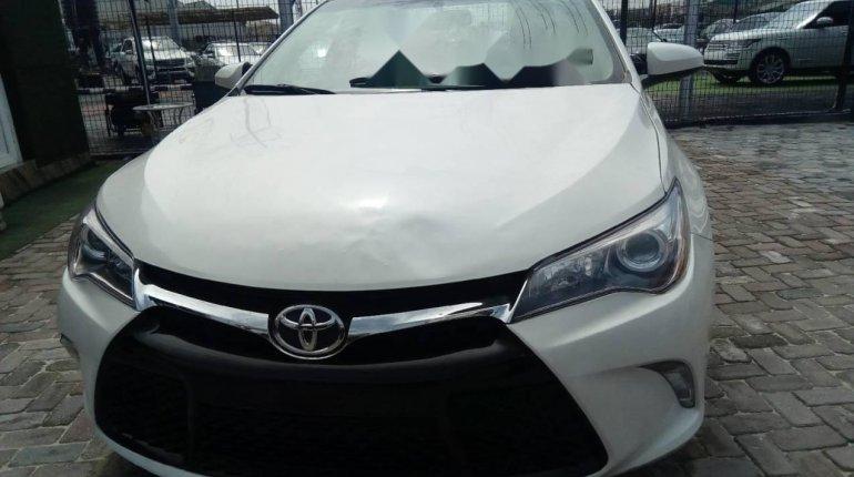 Tokunbo Toyota Camry 2016 Model White-2