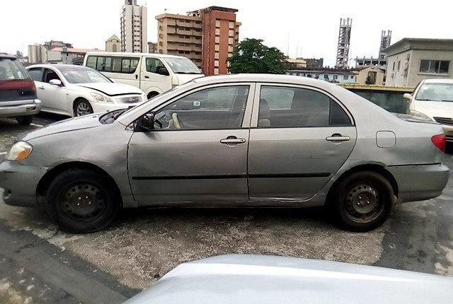 Nigeria Used Toyota Corolla 2003 Model Gold-13