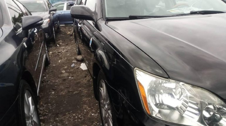 Tokunbo Toyota Avalon 2008 Model Black -2