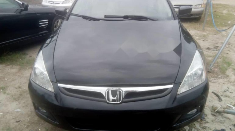 Tokunbo Honda Accord 2007 Model Black-9
