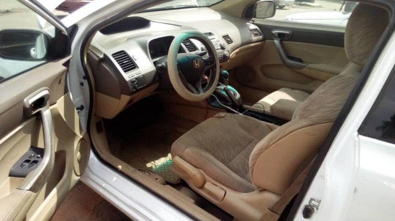 Nigeria Used Honda Civic 2008 Model White-1