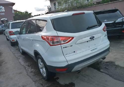 Tokunbo Ford Escape 2015 Model White-2