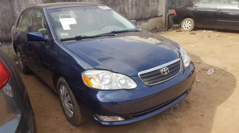 Foreign Used Toyota Corolla 2006 Model Blue-3