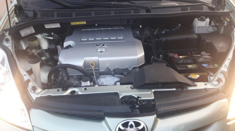 Clean Foreign used 2009 Toyota Sienna-4