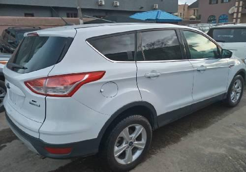 Tokunbo Ford Escape 2015 Model White-4