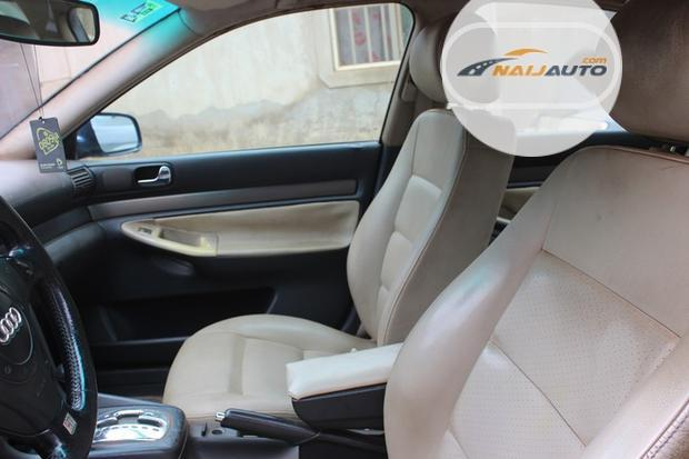 Nigeria Used Audi A4 2000 Model Blue-3