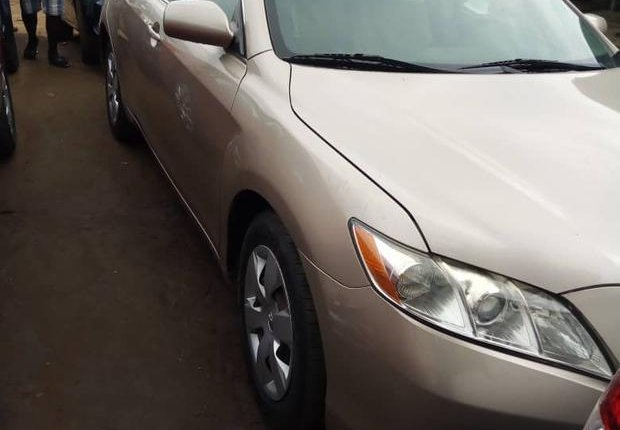 Super Clean Foreign used Toyota Camry 2009-4