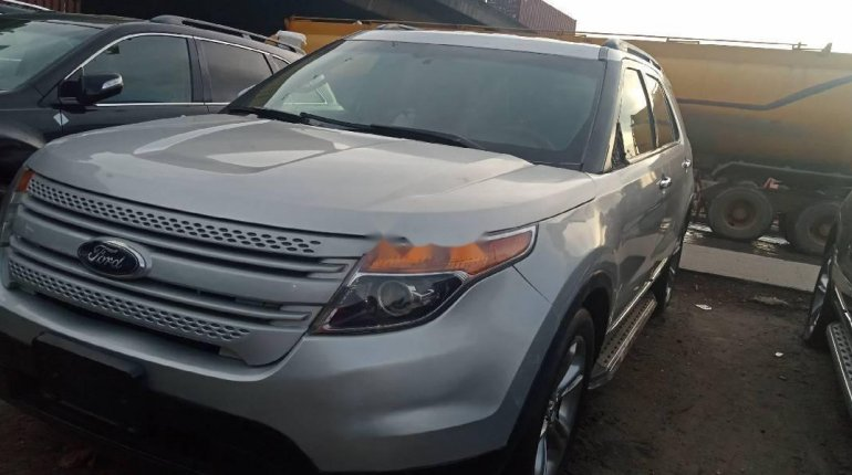 Super Clean Foreign used Ford Explorer 2012-4