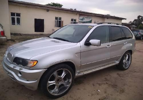 Super Clean Foreign used 2003 BMW X5 -8