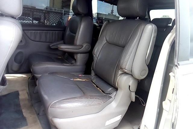 Super Clean Nigerian used 2004 Toyota Sienna -2
