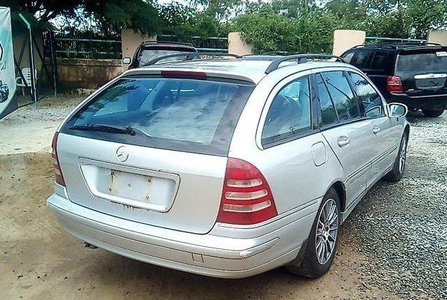 Super Clean Nigerian used Mercedes-Benz C200 2002-4