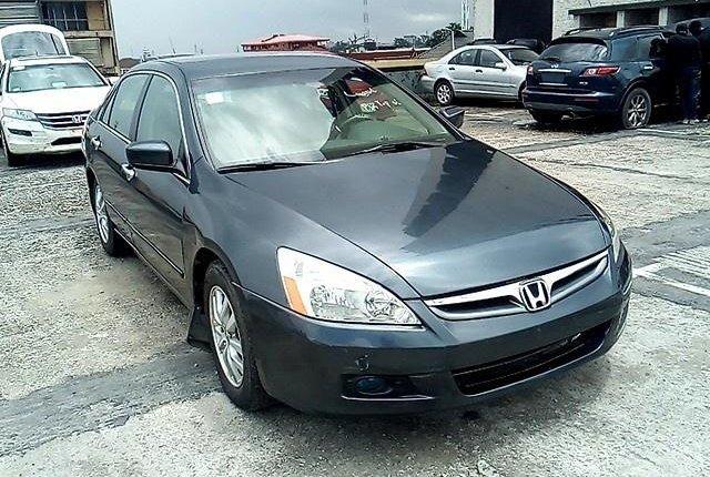 Neat Nigerian used 2006 Honda Accord -9