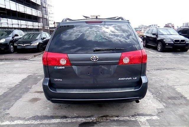 Super Clean Nigerian used 2009 Toyota Sienna-6