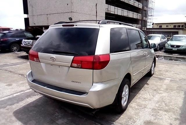 Super Clean Nigerian used 2004 Toyota Sienna -4