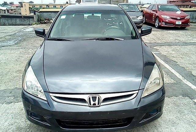 Neat Nigerian used 2006 Honda Accord -12