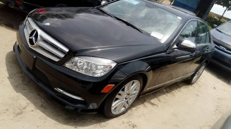 Tokunbo Mercedes-Benz C300 2010 Model Black-5