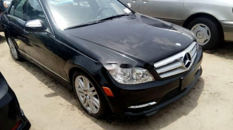 Tokunbo Mercedes-Benz C300 2010 Model Black-4
