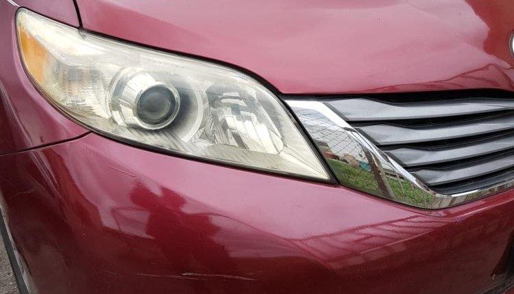 Nigeria Used Toyota Sienna 2001 Model Red-7