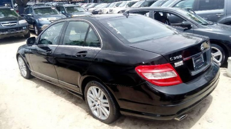 Tokunbo Mercedes-Benz C300 2010 Model Black-0