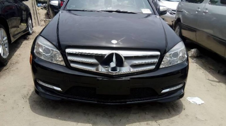 Tokunbo Mercedes-Benz C300 2010 Model Black-6