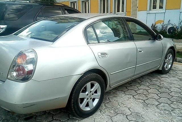 Nigerian Used Nissan Altima 2003 Automatic -4