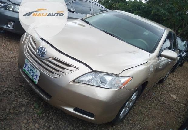 Very Clean Nigerian used Toyota Camry 2007 Gold-8