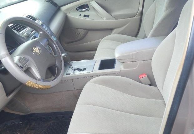 Very Clean Nigerian used Toyota Camry 2007 Gold-0