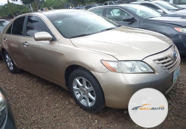 Very Clean Nigerian used Toyota Camry 2007 Gold-1