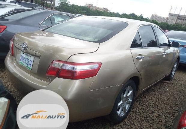 Very Clean Nigerian used Toyota Camry 2007 Gold-2