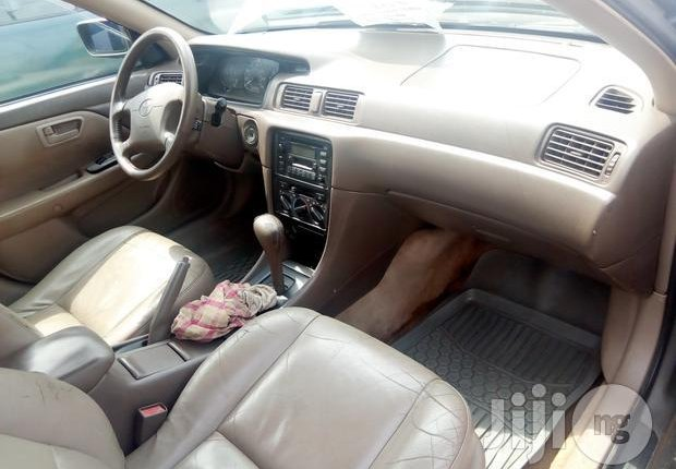 Nigerian Used Toyota Camry 1999 Gold-0