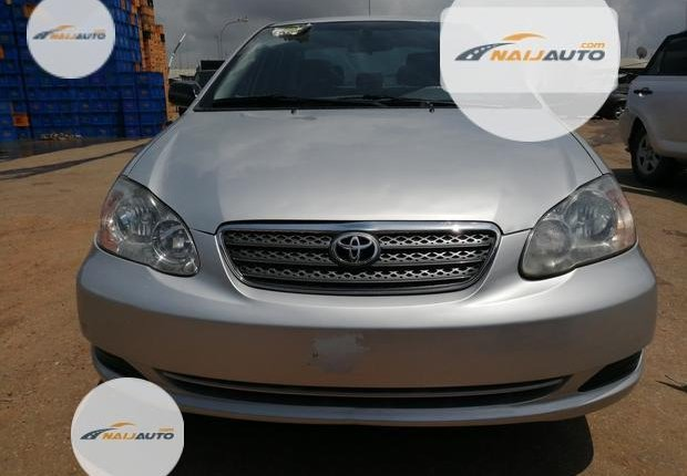 Foreign Used Toyota Corolla 2005 Model Silver-7
