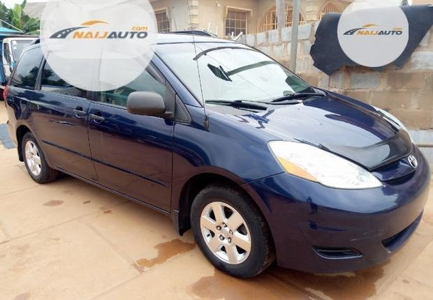 Foreign Used Toyota Sienna 2006 Blue-1