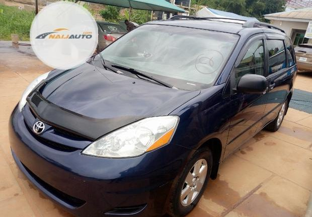 Foreign Used Toyota Sienna 2006 Blue-2