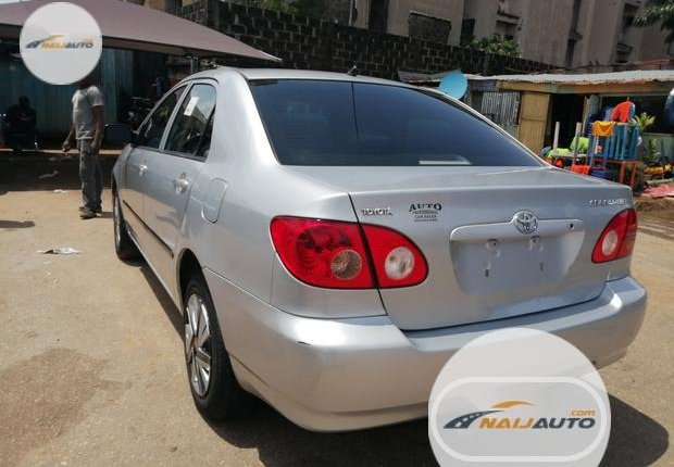 Foreign Used Toyota Corolla 2005 Model Silver-2