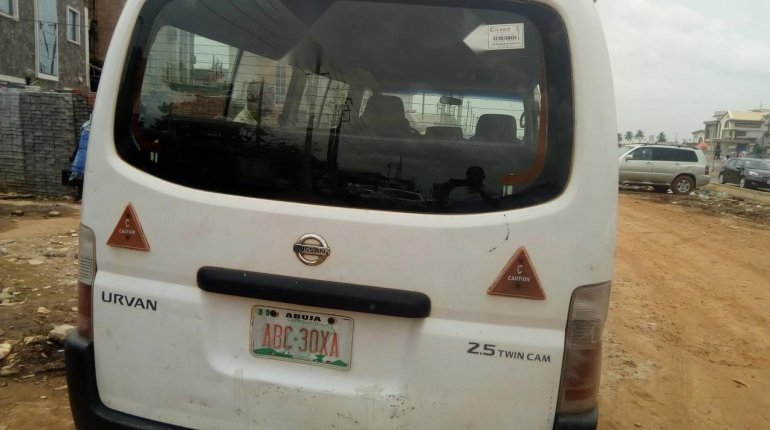 Foreign Used Nissan Urvan 2008 Model White-6