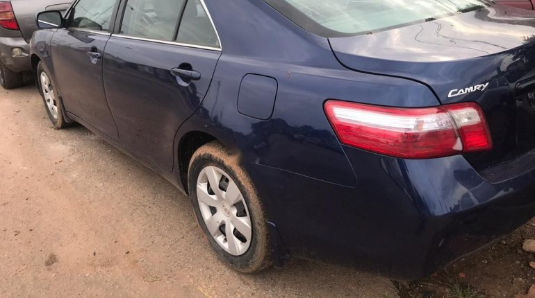 Tokunbo Toyota Camry 2007 Model Blue-3