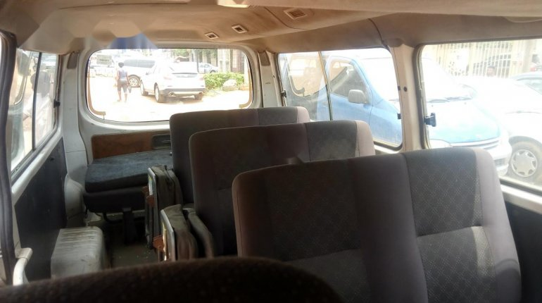 Foreign Used Nissan Urvan 2008 Model White-4