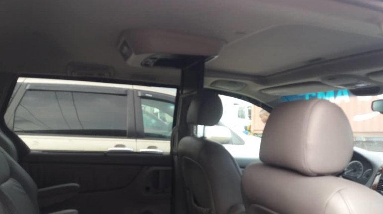Foreign Used Toyota Sienna 2005 Model Gray-3