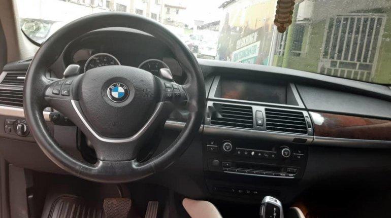 Nigeria Used BMW X6 2011 Model Red-3