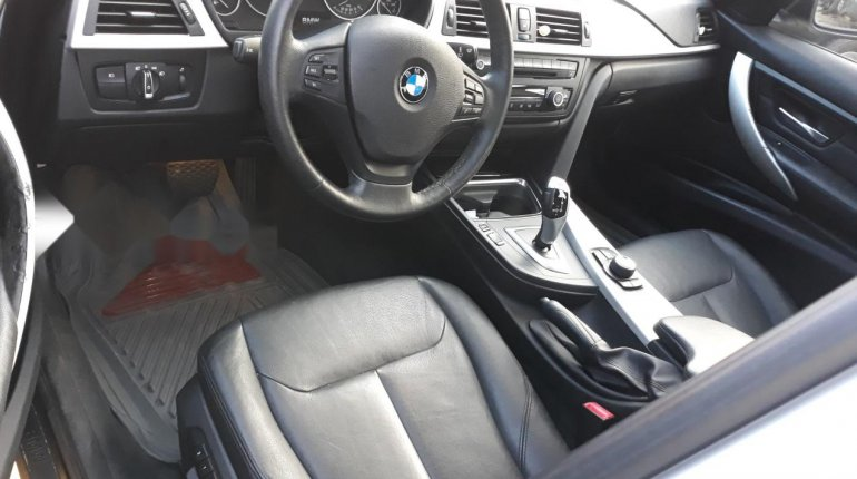 Very Clean Foreign used BMW 318i 2013-2